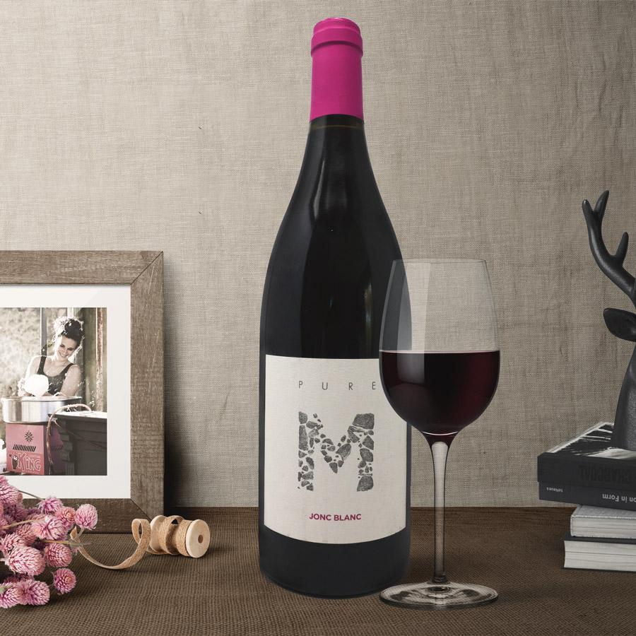 JONC BLANC, PURE M, vin rouge biodynamique déméter certifié, haut de gamme. Lecture, couture, vintage, moderne, tendance, bourgeois, français.