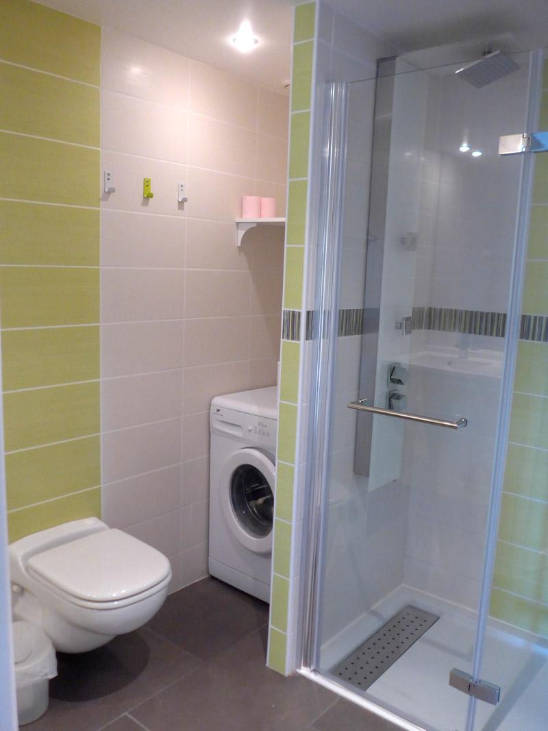 Gîte Jonc Blanc (Dordogne) : salle de bain, douche à l'italienne